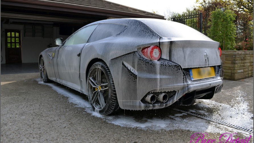 foam-lance-used-on-Ferrari-FF-by-pure-detail-lancashire