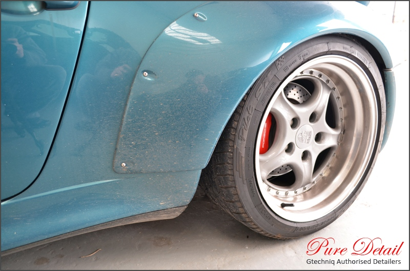 dirty-porsche-993-gt2-before-pure-detail-gtechniq