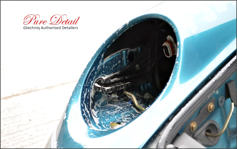 headlight-removal-for-detailign-by-pure-detail
